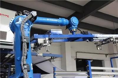 """纺织行业智能工厂系列(四):纺织业开启""""智造革命"""" 机器人充当开路先锋"""