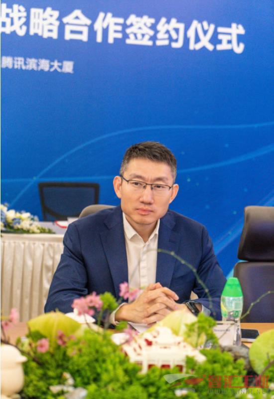 武汉大学与腾讯教育就大数据和人工智能研究院建设合作